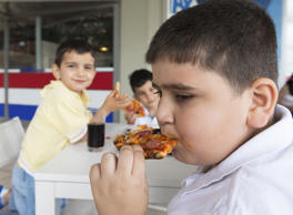America's health issues remain in a fix with 32 percent of people facing obesity related problems. The country ranks among the top in the highest rate of child obesity cases in developed nations as well.
