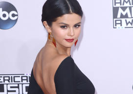 Selena Gomez at the American Music Awards, 2014