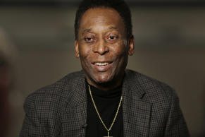 "Pele plays down health fears by insisting: ""I am fine"""