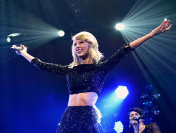 Singer Taylor Swift performs onstage during KIIS FM's Jingle Ball 2014 powered by LINE at Staples Center on December 5, 2014 in Los Angeles, California