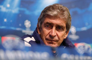 Manuel Pellegrini has questioned whether Chelsea can maintain their title challenge in the second half of the season, citing Arsenal's slump last year