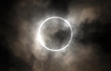 Solar eclipse puts Europe's power supplies at risk