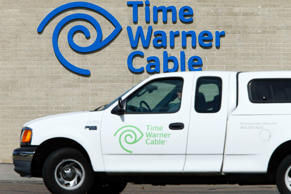 "A Time Warner Cable office is pictured in San Diego, California October 15, 2014. Time Warner Inc's HBO will launch a standalone online streaming service next year to make hit shows such as ""Game of Thrones"" available to people who do not subscribe to cable television.    REUTERS/Mike Blake (UNITED STATES - Tags: BUSINESS LOGO ENTERTAINMENT)"