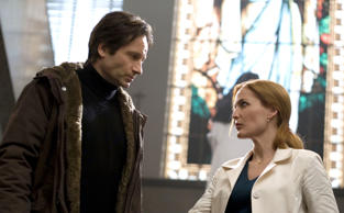 David Duchovny & Gillian Anderson in 'The X-Files: I want to Believe.'