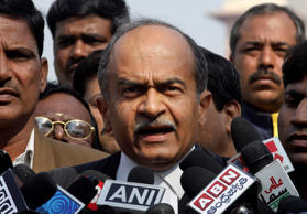 Prashant Bhushan had threatened revolt inside AAP, say sources