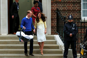 Britain's Prince William and his wife Catherine, Duchess of Cambridge, leave with their baby daughter from the Lindo Wing of St Mary's Hospital, in London, Britain May 2, 2015. The Duchess of Cambridge, gave birth to a girl on Saturday, the couple's second child and a sister to one-year-old Prince George.