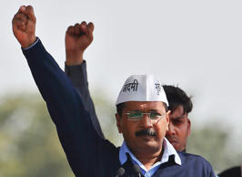 Delhi: Jung vs Kejriwal in battle for power