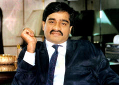 How is Dawood managing his business