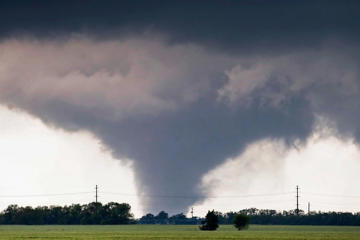 A large tornado passes just to the west of the city of Halstead, Kansas, on May 6.