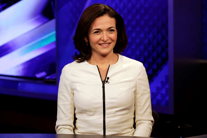 "Facebook COO Sheryl Sandberg is interviewed by Megyn Kelly, during a segment of her Fox News Channel ""The Kelly File,"" program, in New York,  Thursday, March 5, 2015. Sandberg has enlisted NBA stars LeBron James, Stephen Curry and some of the basketball league's other top players to convince more men to join the fight for women's rights at home and at work. (AP Photo/Richard Drew)"