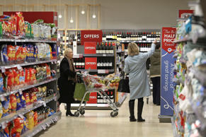 Record fall in fresh food prices drives retail deflation
