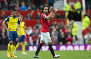 Radamel Falcao is eager to stay in the Premier League and join Chelsea