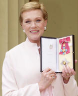 LON10D:ARTS-BRITAIN-DAME:LONDON,16MAY00 - Dame Julie Andrews, star of Mary Poppi...