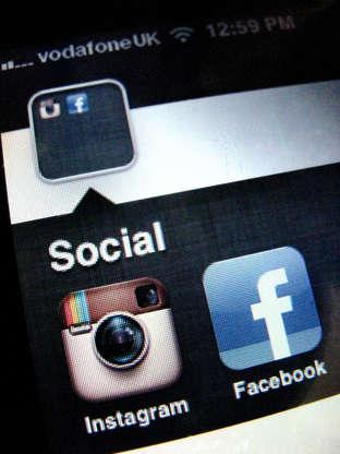 Fresh debate on lifting WhatsApp, Skype call ban in UAE