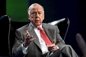 T. Boone Pickens, CEO of BP Capital, speaks on a panel at the annual SkyBridge Alternatives Conference (SALT) in Las Vegas May 7, 2015.