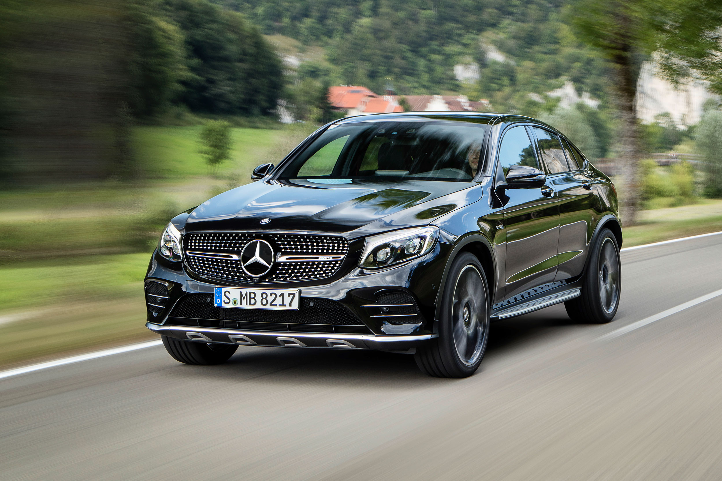 2017 mercedes benz glc coupe specs and features msn autos. Black Bedroom Furniture Sets. Home Design Ideas
